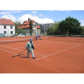 Údržba tenisových kurtů